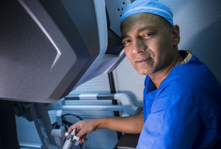 Dr. Mutahar Ahmed - Urologic Surgeon - da Vinci Single Port Robotic Surgery